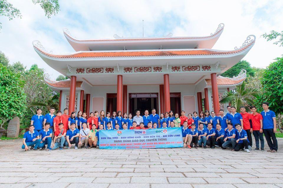 Tuổi trẻ BIDV Đồng Khởi tổ chức hoạt động về nguồn nhân dịp 22/12