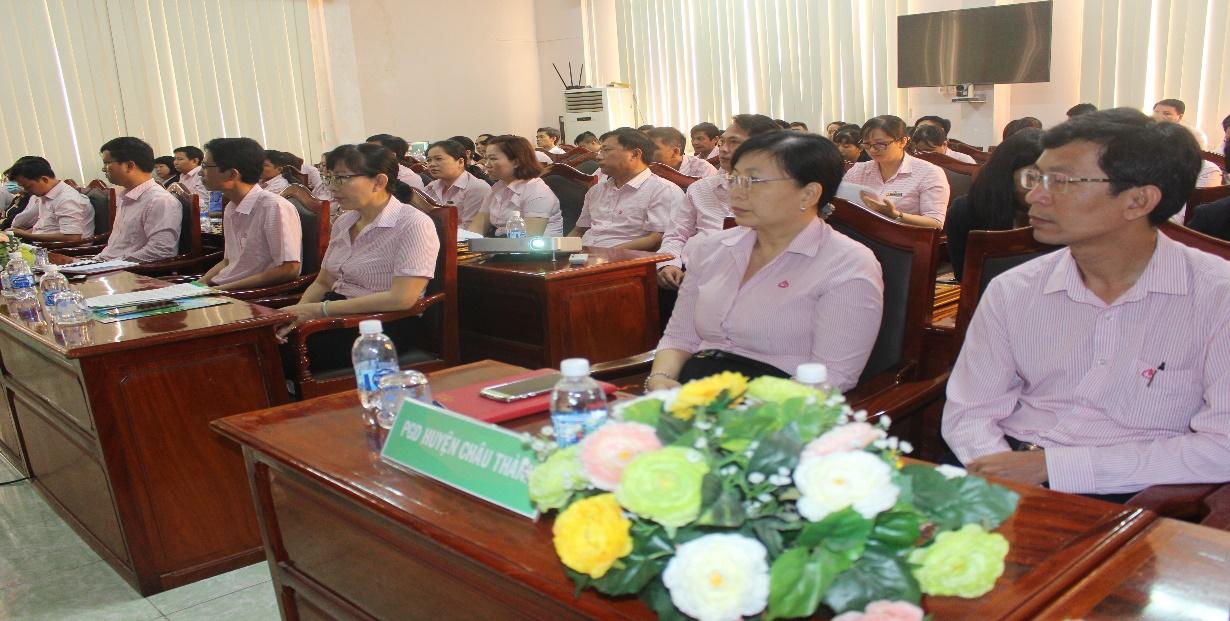 Đảng bộ Ngân hàng Chính sách xã hội chi nhánh tỉnh Bến Tre quán triệt Nghị quyết Đại hội XI Đảng bộ tỉnh