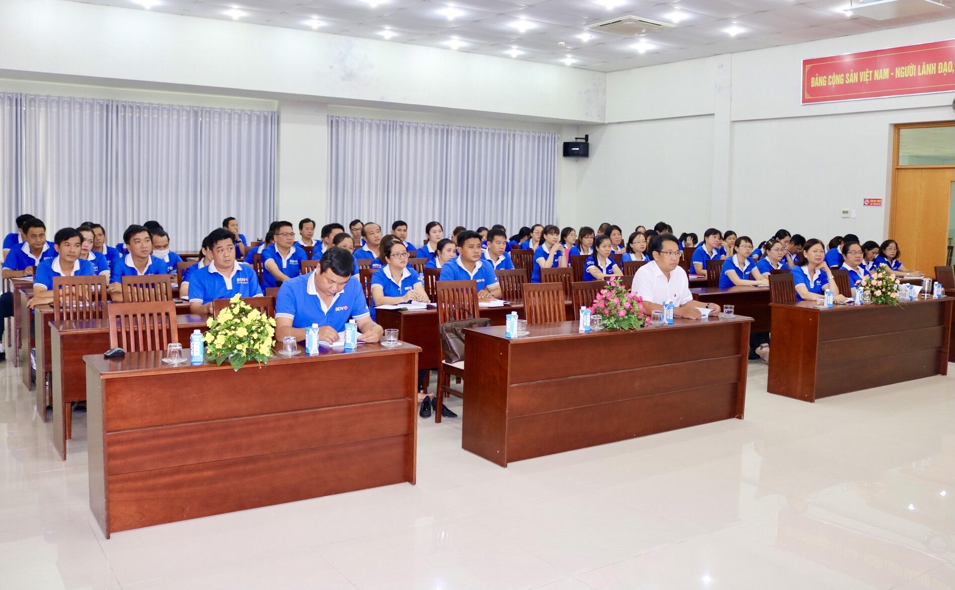 Đảng bộ BIDV Đồng Khởi triển khai, quán triệt Nghị quyết Đại hội đại biểu toàn quốc lần thứ XIII