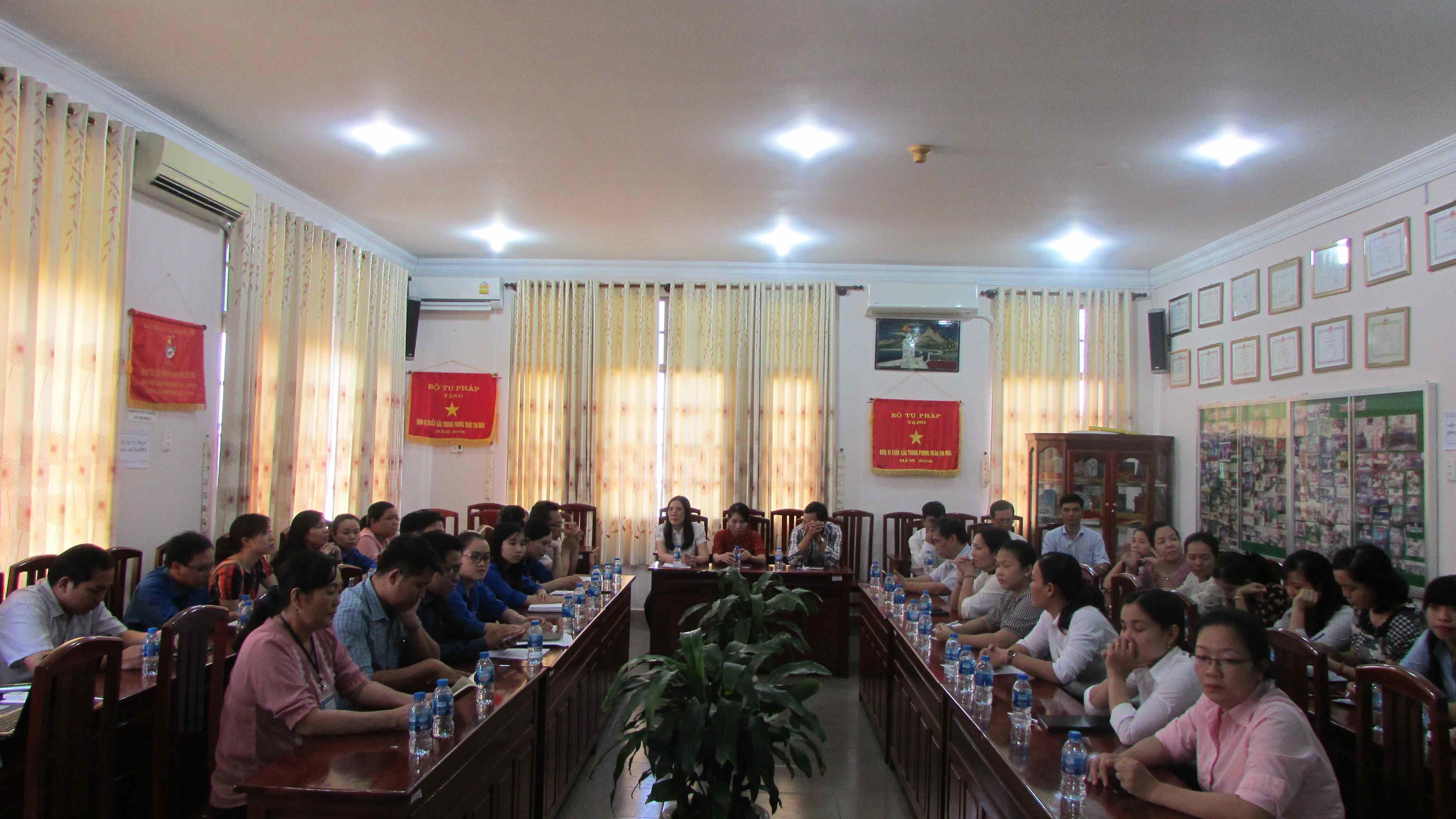 """Tọa đàm với chủ đề """"50 năm thực hiện Di chúc Chủ tịch Hồ Chí Minh"""""""