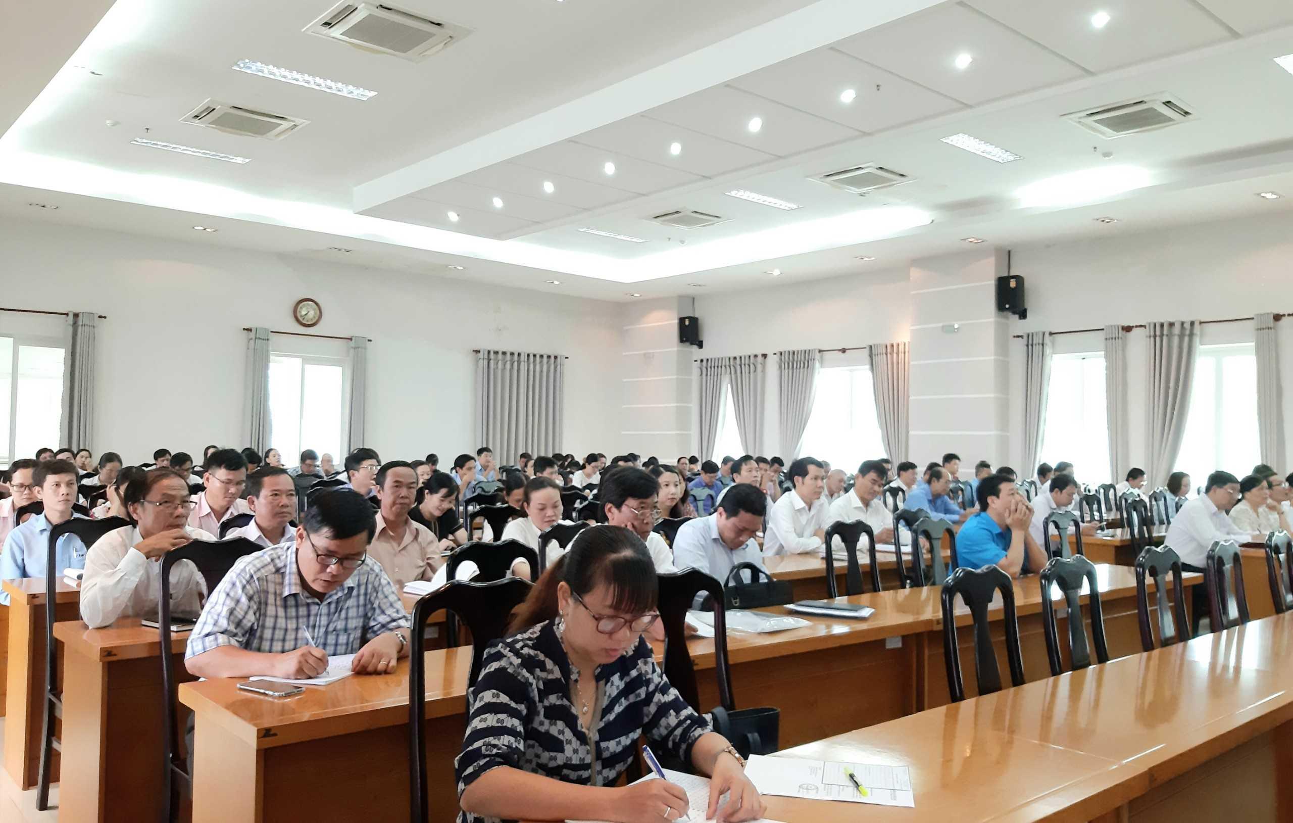 Khai giảng lớp bồi dưỡng bí thư chi bộ và cấp ủy viên cơ sở năm 2020